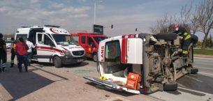 Sarayönü ambulansı kaza yaptı